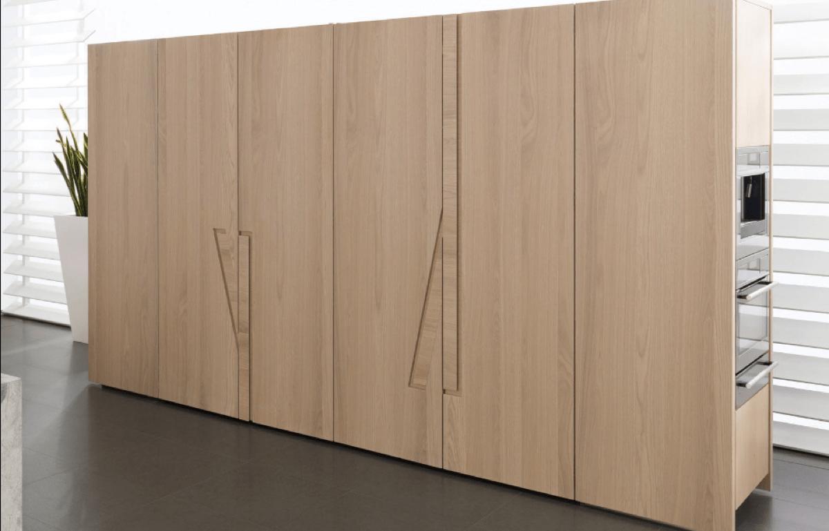 Cocinas ocultas en un armario perfectas para hogares peque os - Como hacer puertas de armario ...