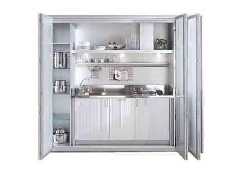 Cocinas ocultas en un armario decoraci n de interiores - Armarios de cocina en kit ...