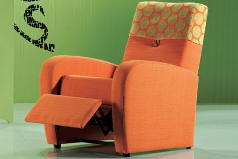 sofa naranja retro