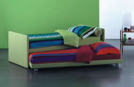 cama doble sofa verde flou
