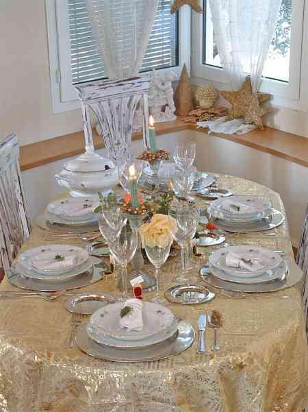 Una mesa cl sica para navidad decoraci n de interiores for Mesa de navidad elegante