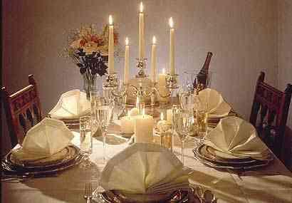 velas decoran en navidad