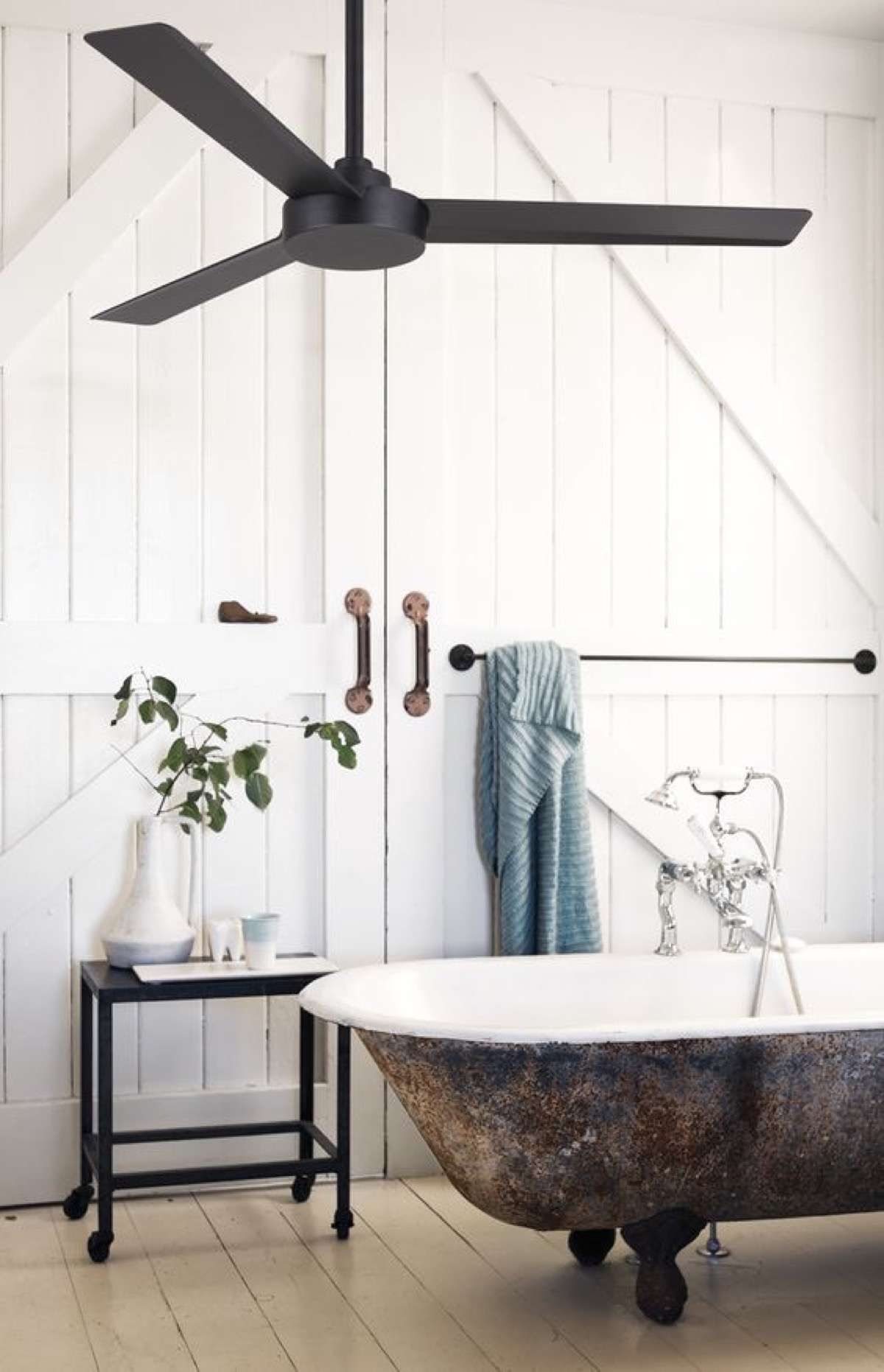 ventiladores de techo con luz cuarto de baño