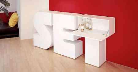 mueble con forma de letra set