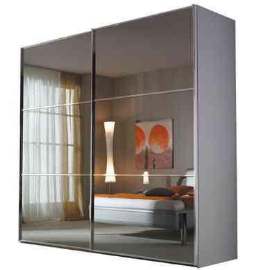 puertas de espejo en el armario