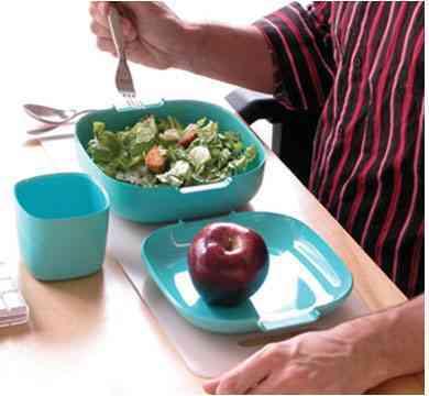 curioso set de servicio de mesa para comer vessel