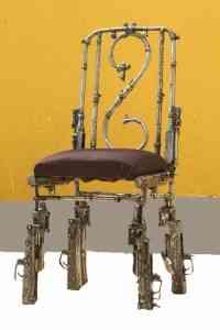Muebles a partir de armas 2