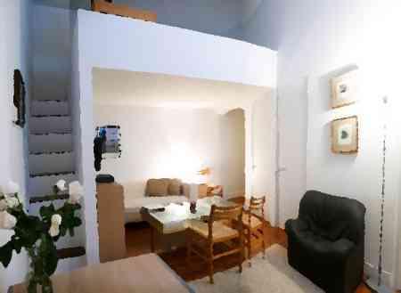 el primero es sencillo de solucionar existen muchas de armarios muebles y dems que se adaptan a espacios reducidos y optimizan el empleo del