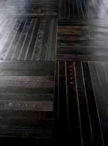 Un piso de cinturones reciclados 2