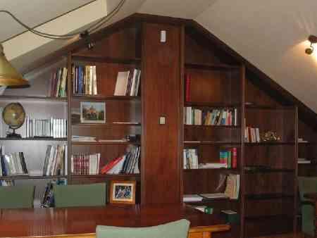 Cualquier espacio se puede aprovechar para biblioteca