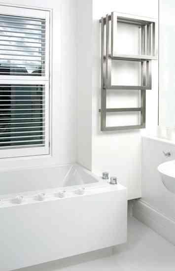 Towel Warmer Rack Radiator: un funcional calentador de toallas 1