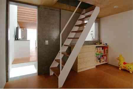 sandwich_casa_decoracion_estrecha_minimalista (2)