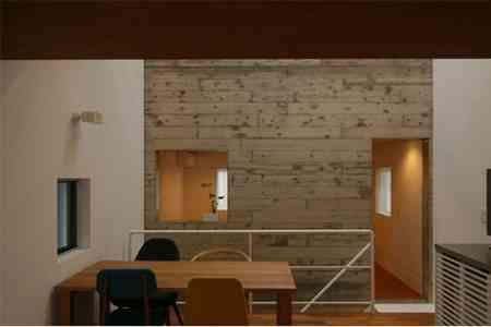 sandwich_casa_decoracion_estrecha_minimalista (8)