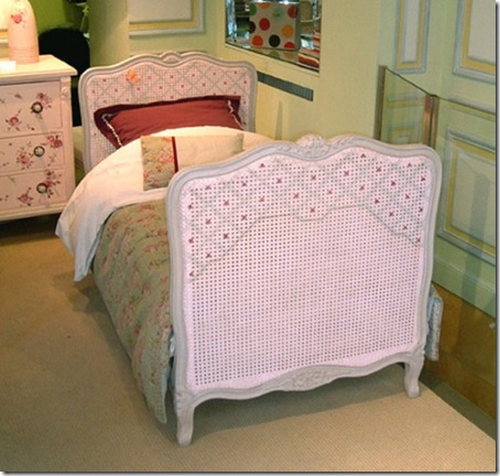 Cute-beds-for-nice-girls-room-designs-from-Maman-m'adore-6-554x526