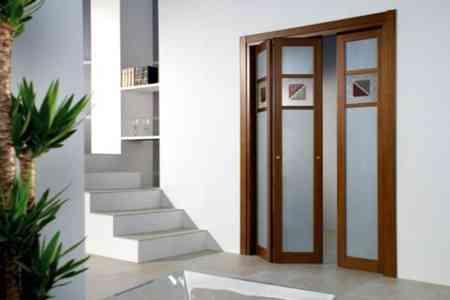Puertas plegables la soluci n a los problemas de espacio for Puertas para recamara economicas