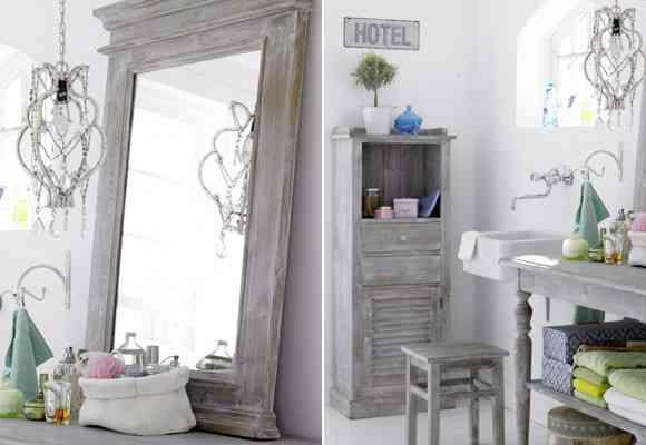 Un cuarto de baño clásico pero envejecido 2