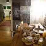 Piedra y madera como elementos decorativos 3