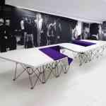 SitTable, una mesa con sillas incorporadas muy moderna 4