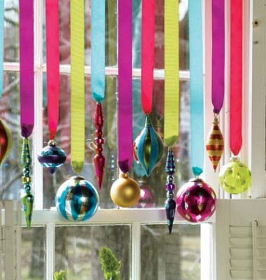 Idea para colgar tus adornos de navidad decoraci n de for Adornos colgar pared