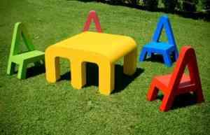 Didácticos muebles infantiles con formas de letras 2