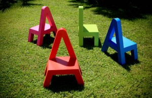Didácticos muebles infantiles con formas de letras 3
