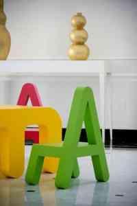Didácticos muebles infantiles con formas de letras 4