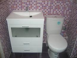 Ba o gresite de papel decoraci n de interiores opendeco for Papel pintado imitacion azulejo