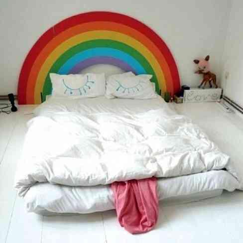 Cabecero arco iris para un dormitorio infantil 1