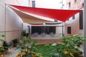 Sombrillas toldos y dem s artilugios para dar sombra decoraci n de interiores opendeco - Toldos para patios interiores ...