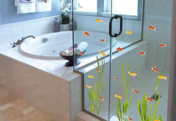 Decora tu baño con vinilos 1
