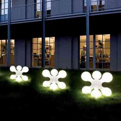 Atomium: una lámpara de diseño para exteriores 1