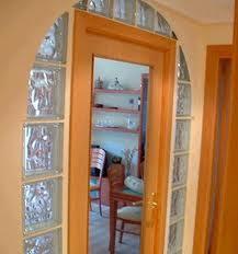 Pav s ladrillos de vidrio decoraci n de interiores - Como colocar paves ...