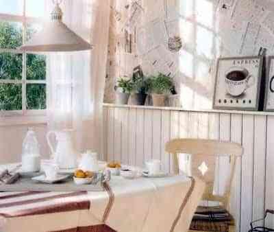 Salas, comedores y salones empapelados con periódicos 4