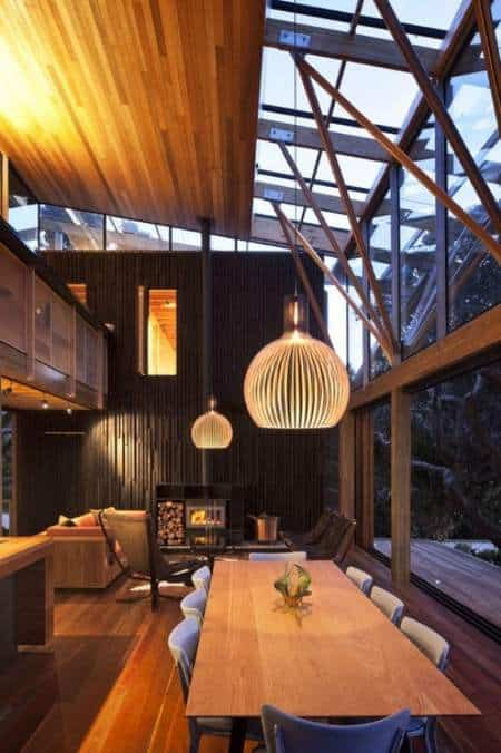 Mansión de madera con grandes ventanales de Herbst Architects 1