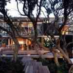 Mansión de madera con grandes ventanales de Herbst Architects 4