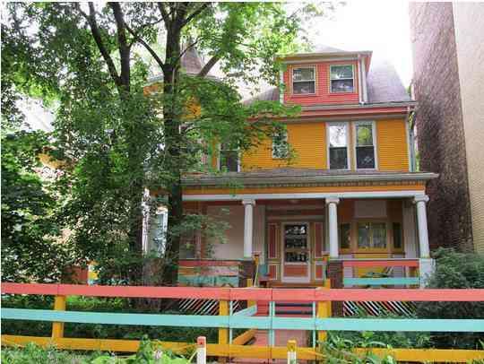 Color en tu casa por fuera blog totpint portal de for Colores para pintar una casa pequena por fuera