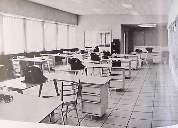 Una sala de trabajo en los a os 50 blog totpint - Muebles anos 50 madrid ...