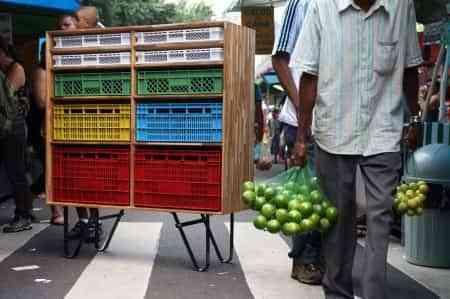Diseño con cajas de frutas brasileño 1