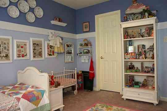 Habitaciones en dos colores decoraci n de interiores - Pintar salon en dos colores ...