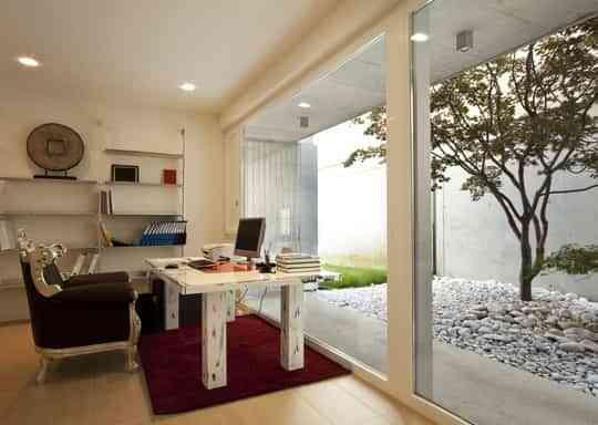 Una oficina en casa muy fashion decoraci n de interiores - Decoracion oficina en casa ...