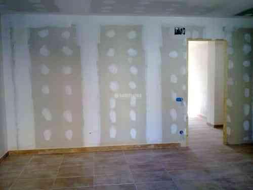 C mo aislar una pared contra ruidos 2 decoraci n de - Aislar paredes interiores ...
