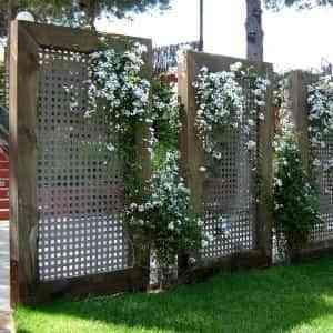 Celos as en el jard n oculta de miradas curiosas - Celosia de madera para jardin ...