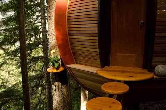 Una casa en el árbol con mucho estilo 2