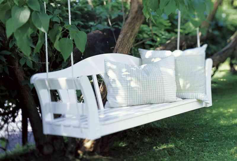 Un banco de ikea convertido en balanc n decoraci n de for Balancin jardin ikea