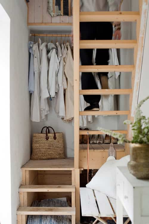Ideas para ahorrar espacio: aprovechar los huecos de la escalera 1