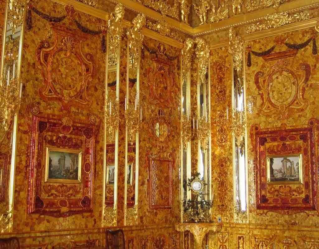 Decora con oro tu pared 3
