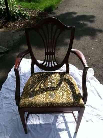 Una silla como nueva con una mano de pintura 1