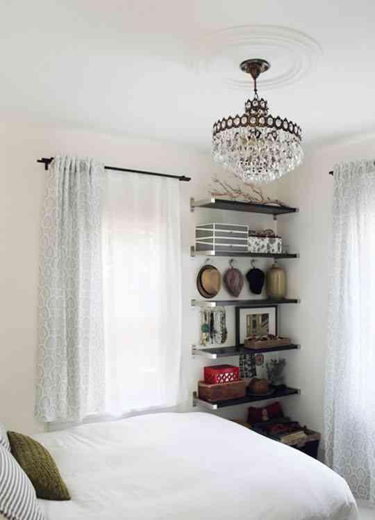 C mo decorar un dormitorio peque o decoraci n de interiores opendeco - Chandeliers for small spaces image ...