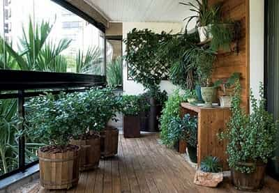 decorar un jardin interior