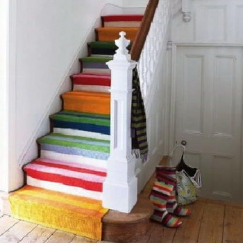 Ideas para decorar una escalera blog totpint portal de decoracion y pinturas - Decorar escaleras interiores ...